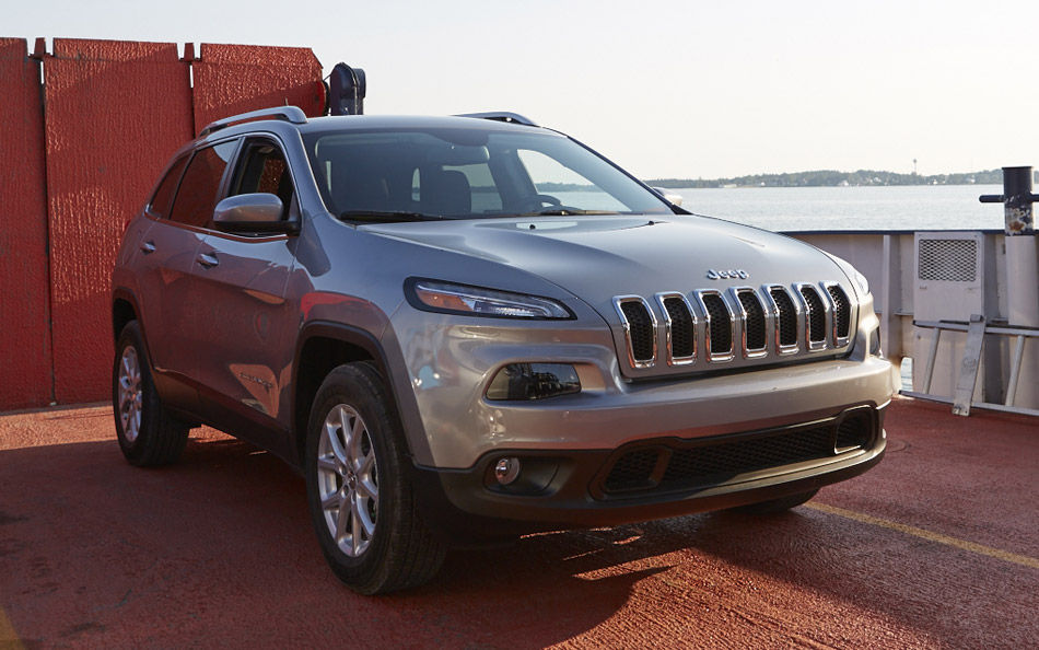 2016-jeep-cherokee-gallery-1